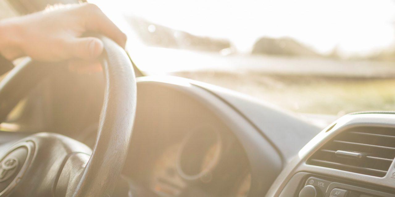 Vidro blindado para carros: quando vale a pena?