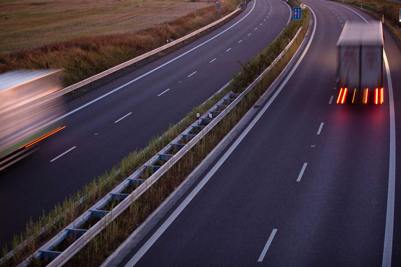 Rastreador para caminhão: Conheça as vantagens de contratar um rastreador para seu caminhão